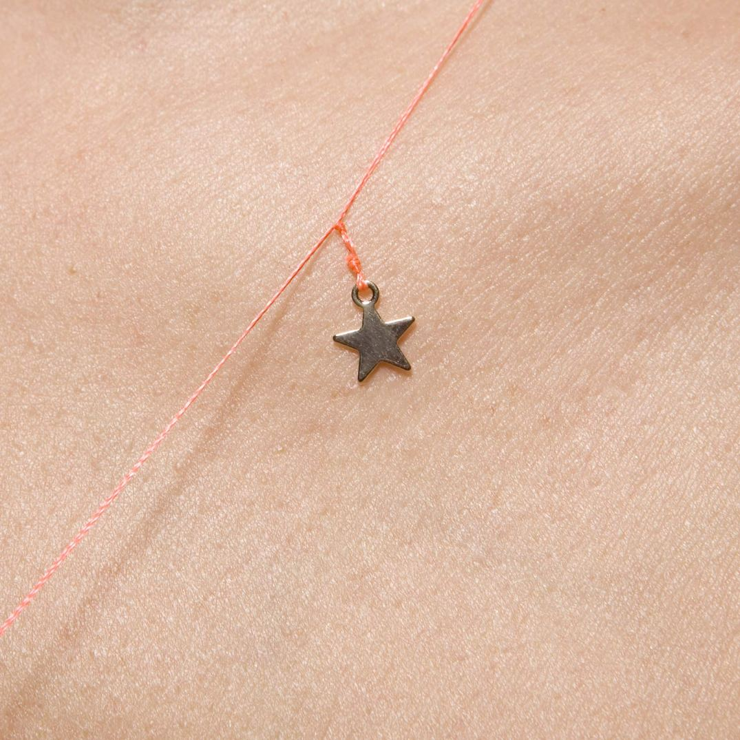detail collier extra fin